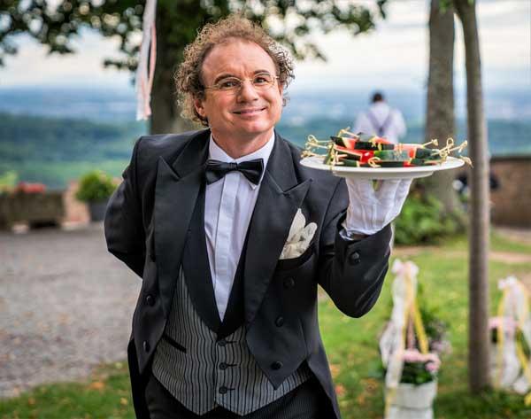 Hochzeit Unterhaltung Zauberer Bauchredner Butler