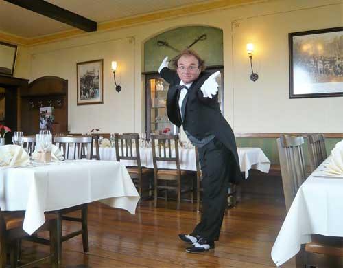 Unterhaltung Butler und Spaßkellner für Hochzeit in Schwäbisch Hall